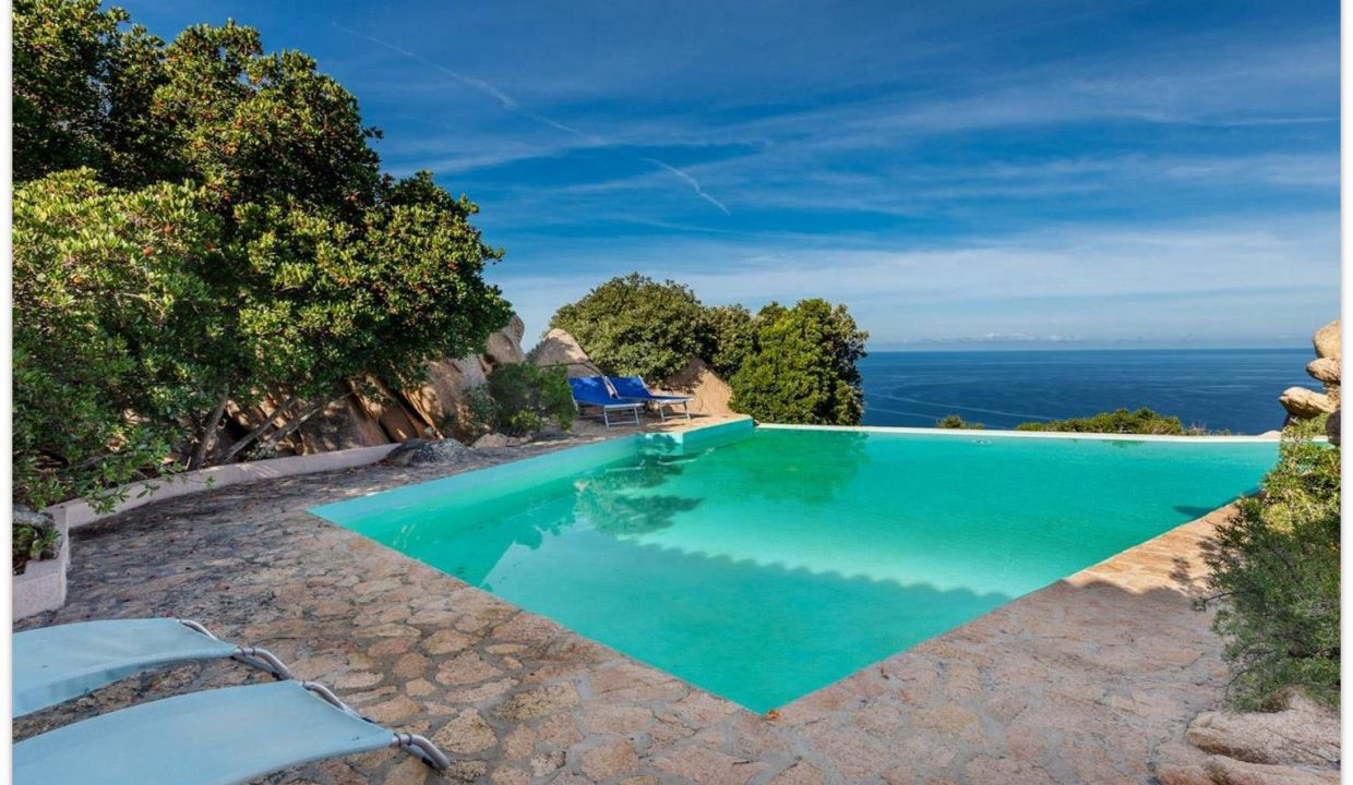 PICTURESQUE PROPERTY WITH BREATHTAKING VIEW IN COSTA PARADISO